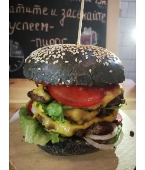 Мега черный скифский бургер с говядиной (три котлеты)