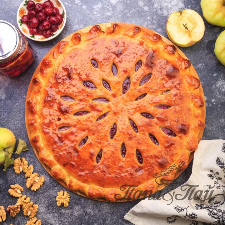 Сладкий сдобный пирог с вишней и яблоком  (Кадагонд фæткъуы æмæ балимæ)
